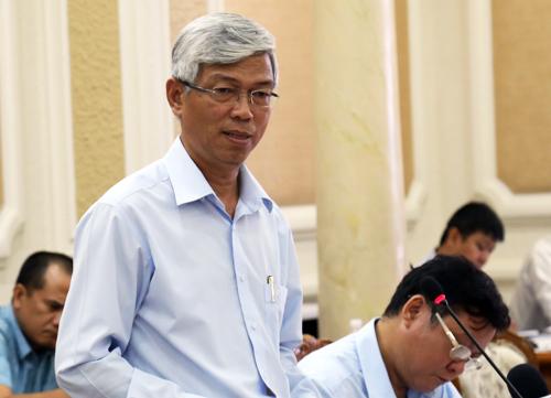 Phó chủ tịch UBND TP HCM Võ Văn Hoan phát biểu tại cuộc họp. Ảnh: Hữu Nguyên