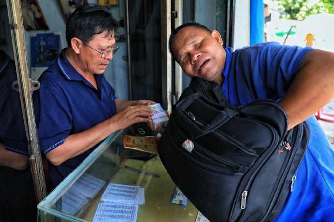 Cuộc sống của đôi vợ chồng mù ở Sài Gòn