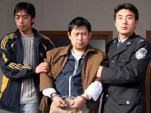 Nhậm Hiểu Phong (giữa) là chủ mưu vụ trộm.