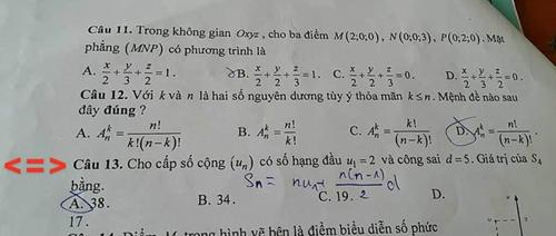 Bài toán (câu 13) được học sinh chuyên Văn giải như thế nào?