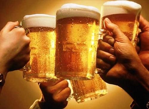 Rượu trên 15 độ cồn bị cấm quảng cáo dưới mọi hình thức.