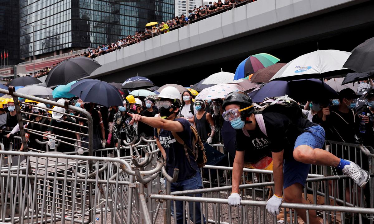 Lãnh đạo biểu tình Hong Kong kêu gọi người dân tiếp tục xuống đường