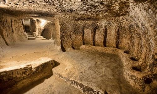 Thành phố ngầm gồm nhiều đường hầm và phòng ở. Ảnh: Ancient Origins.