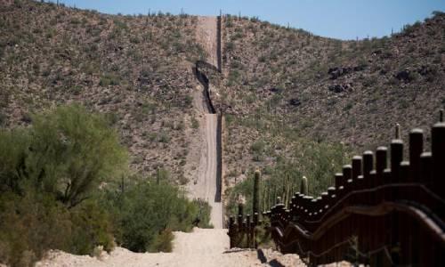 Biên giới Mỹ - Mexico gần Lukevilla hồi tháng 9/2018. Ảnh: Reuters.