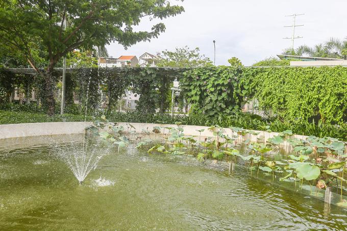 Trụ sở UBND lắp điện mặt trời, có cảnh quan như công viên ở TP HCM