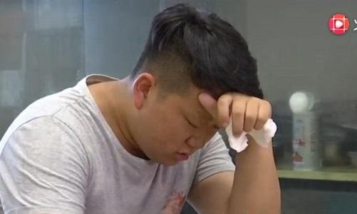 Một học sinh suy sụp sau khi trượt đại học vì sự cố hy hữu.