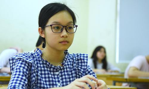 Thi lớp 10 ở Hà Nội: 8 điểm mỗi môn vẫn trượt, 3 điểm đỗ