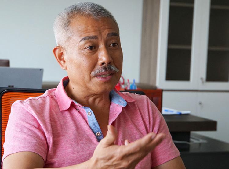 GS Trương Nguyện Thành tại Đại học Văn Lang. Ảnh: Mạnh Tùng.
