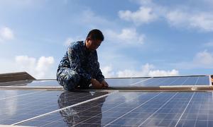 Bộ đội Trường Sa dùng tivi, tủ lạnh từ năng lượng gió, mặt trời
