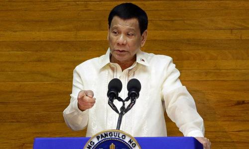Duterte gọi vụ tàu cá Philippines bị đâm chìm trên Biển Đông là tai nạn