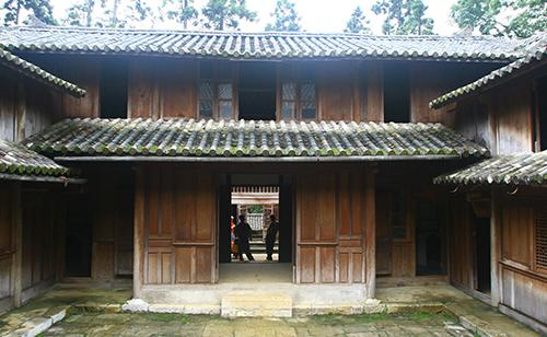 Một góc dinh thự Vua Mèo ở xã Sà Phìn (Đồng Văn, Hà Giang). Ảnh: VT.