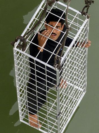 Lahiri trong màn biểu diễn năm 2002 ở cùng địa điểm. Ảnh: Reuters
