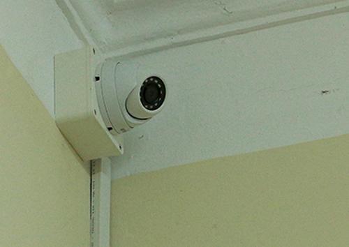 Camera an ninh tại một điểm thi THPT quốc gia. Ảnh: Đ.H