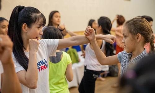 Lớp học tự vệ do một tổ chức từ thiện ở TP HCM. Ảnh: Guardian