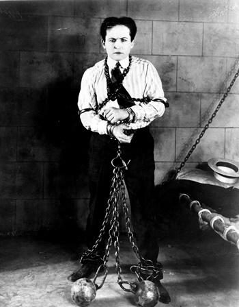 Harry Houdini tại Mỹ năm 1898. Ảnh: New York Daily News.