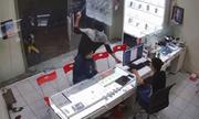 Chủ cửa hàng điện thoại ở Sài Gòn bị chém