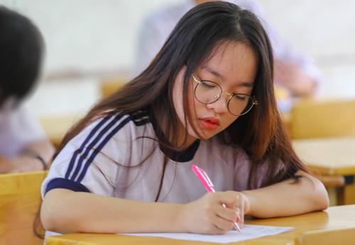 Thí sinh thi THPT quốc gia năm 2018 ở TP HCM. Ảnh: Thành Nguyễn