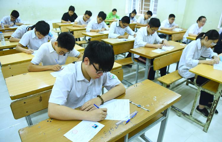 Thí sinh thi vào lớp 10 công lập ở Hà Nội. Ảnh: Giang Huy