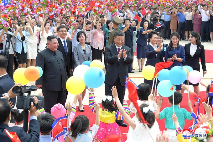 Triều Tiên tổ chức yến tiệc, đồng diễn nghệ thuật chào mừng Chủ tịch Trung Quốc