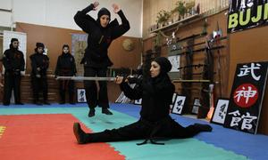 Đội quân 3.500 nữ chiến binh ninja của Iran
