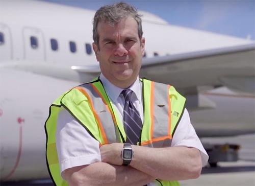 Phi công Robert Fonte làm việc tại hãng hàng không United. Ảnh:MSN