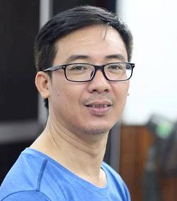 Thầy Đào Tuấn Đạt, Hiệu trưởng trường THPT Anhxtanh.