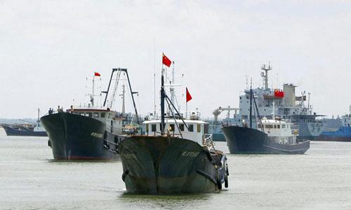 Một đội tàu cá vỏ thép cỡ lớn của Trung Quốc. Ảnh: AFP.