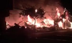 12 kiốt ở Lâm Đồng bị thiêu rụi