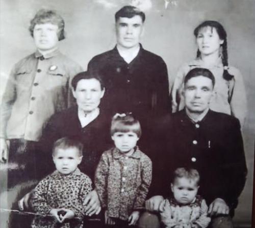 Nông dân gốc Nga gây sốt ở Trung Quốc - 1