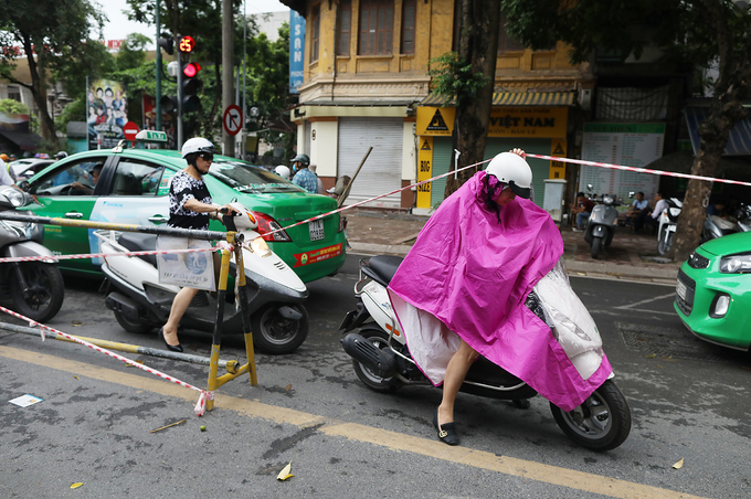 Giao thông hỗn loạn quanh dự án ga ngầm Hà Nội