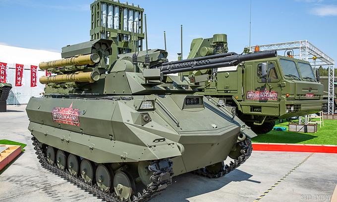 Nga khoe tên lửa, robot tại triển lãm quân sự Army-2019