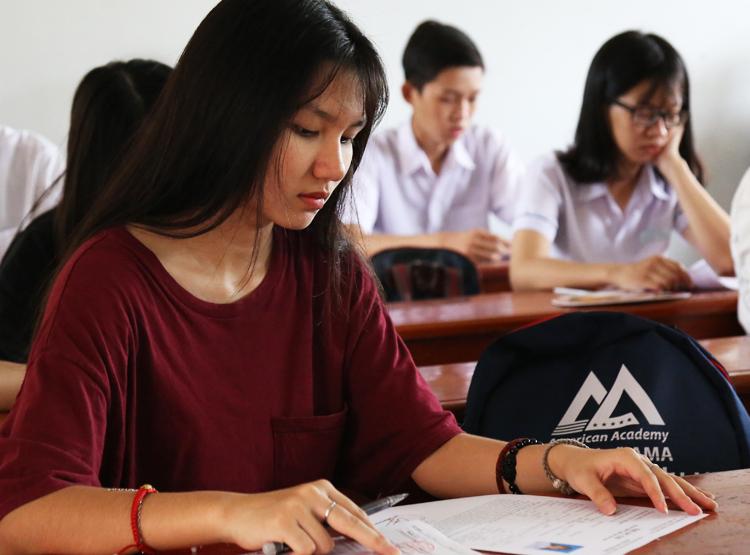 Thí sinh dự thi THPT quốc gia ở Đồng Nai. Ảnh: Phước Tuấn