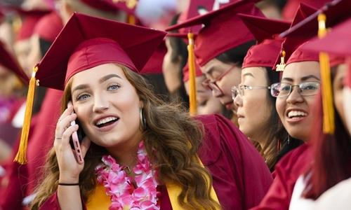 Nợ sinh viên - án chung thân với hàng triệu người Mỹ