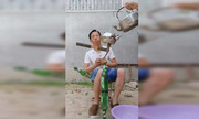 Tuyệt kỹ xếp chồng đồ vật của người đàn ông Trung Quốc