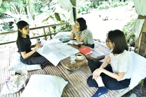 Nữ sinh viên chu du gần 10 nước nhờ các chương trình học bổng - 2