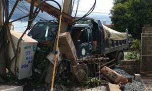 Xe tải tông trạm biến áp khiến 600 hộ dân ở Đăk Lăk mất điện