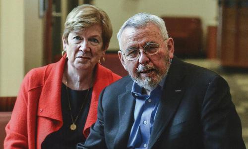 Vợ chồng cựu điệp viên Mendez hồi năm 2018. Ảnh: CIA.