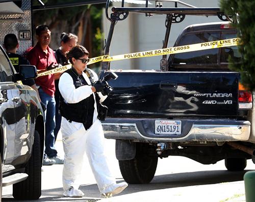 Cảnh sát làm việc tại hiện trường vụ nổ súng ở thành phố San Jose, bang California, hôm 24/6. Ảnh: Mercury News