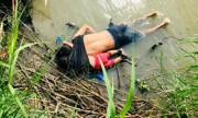 Ảnh cha con người di cư chết đuối ở biên giới Mỹ - Mexico gây sốc