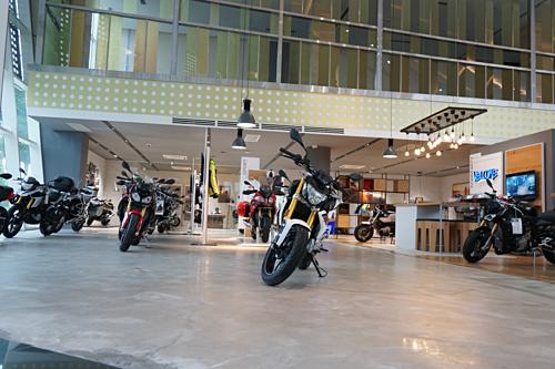 Khu vực trưng bày BMW Motorrad.