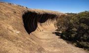 Tảng đá 60 triệu năm tuổi hình sóng biển ở Australia