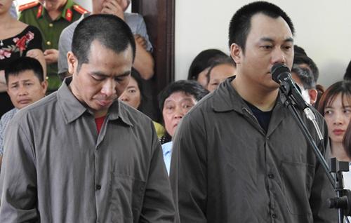 Tài xế Sơn và Hoàng tại phiên tòa trước đó.