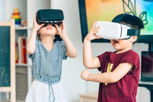 Với tầm nhìn đi đầu về giáo dục hiện đại ILA chú trọng phát triển tiếng Anh và kỹ năng toàn diện cho trẻ, đặc biệt là kỹ năng công nghệ