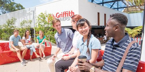 trường luôn đứng vững ở vị trí thứ 10 nước Australia về số lượng sinh viên và đứng thứ 11 về thành tựu nghiên cứu