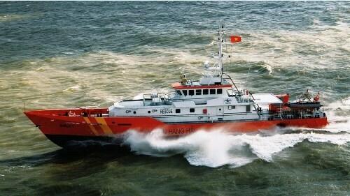 Tàu SAR 411 tham gia tìm kiếm ngư dân mất tích.
