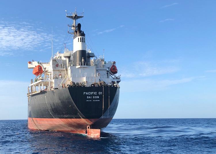 Tàu hàng pacific 01 tại hiện trường, Ảnh: Trung tâm phối hợp tìm kiếm cứu nạn.