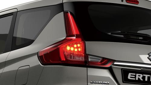 Suzuki Ertiga có lợi thế về giá bán thấp.