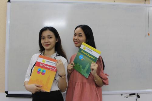 Điểm IELTS của Linh và Tiên được cải thiện ở mức 5.5 chỉ sau khóa học 6 tuần,