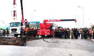 Sập cầu trong bão Mun khiến hai người chết ở Thanh Hóa