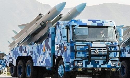 Tên lửa hành trình chống hạm YJ-12 của Trung Quốc trong một cuộc duyệt binh. Ảnh:Twitter.